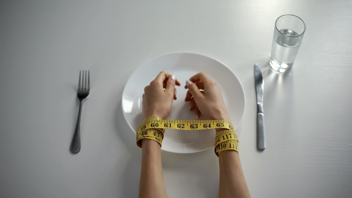 How to Find the Self-Control to Eat Less
